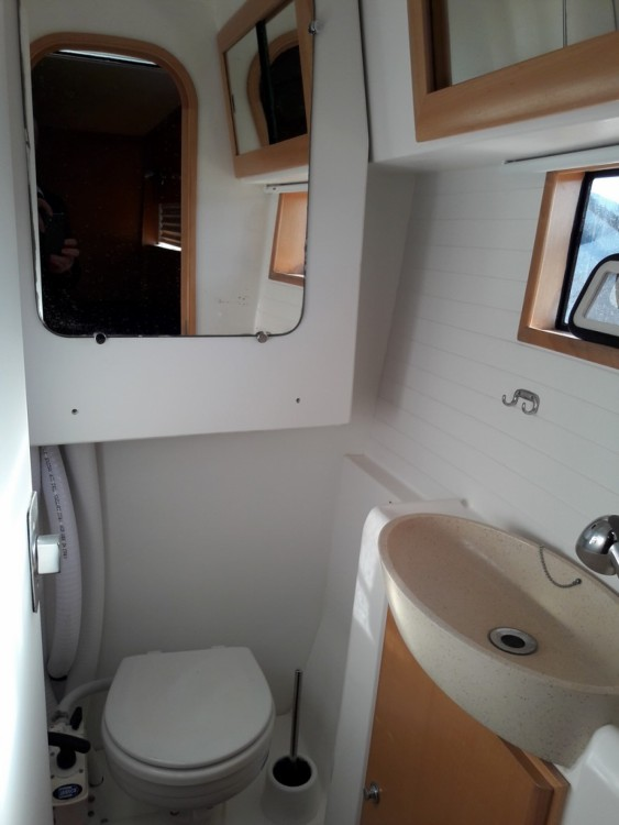 Catamaran for rent Port-Saint-Louis-du-Rhône at the best price