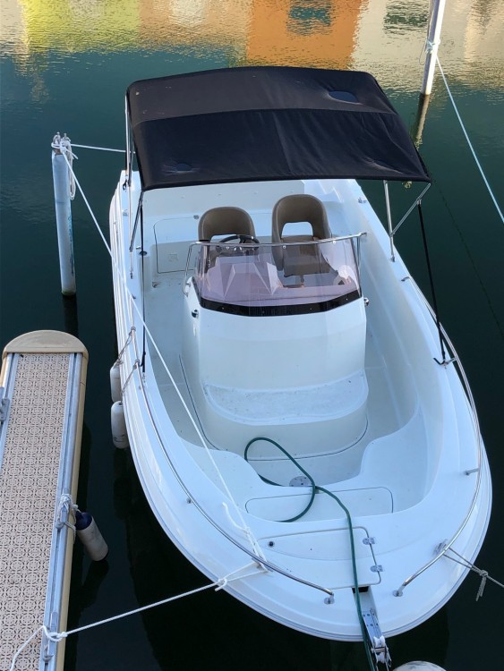 Motorboat for rent Castelló d'Empúries at the best price
