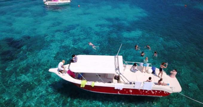 Rental yacht Hvar - Enzo Enzo 35 on SamBoat