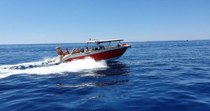 Boat rental Enzo Enzo 35 in Hvar on Samboat