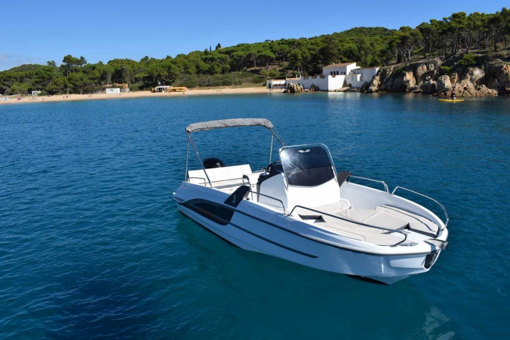 Rental Motor boat in Palamós - Bénéteau FLYER 6.6 SPACEDECK