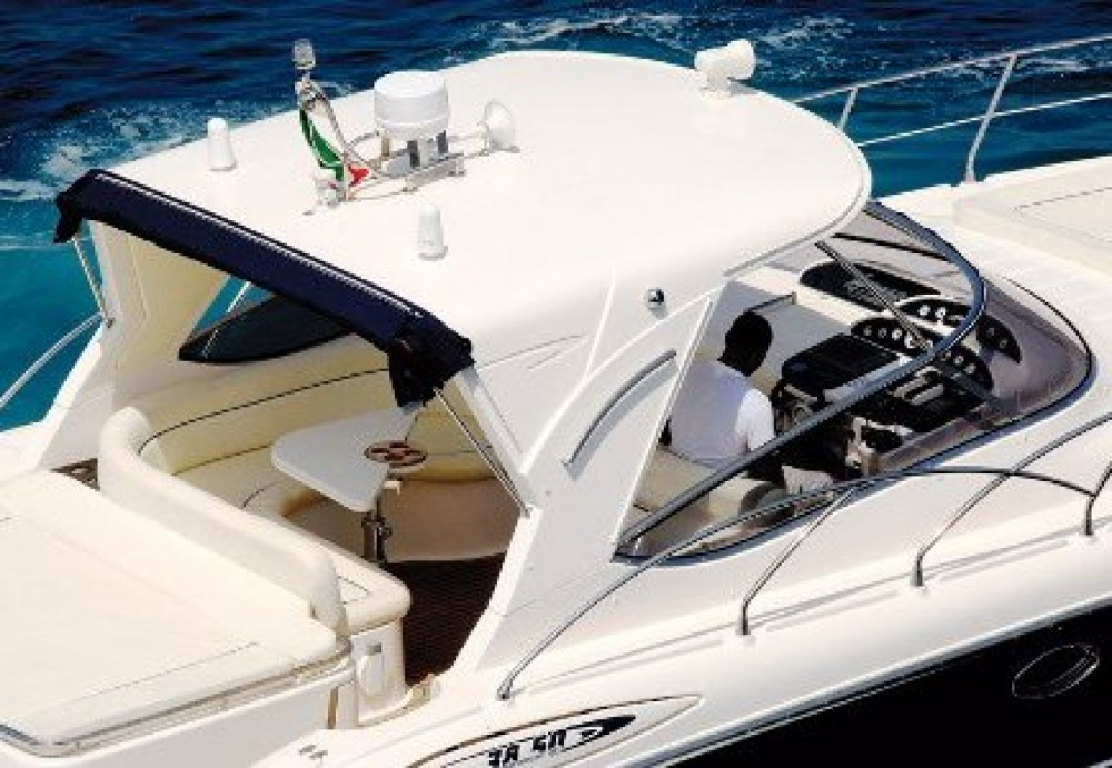 Mano Marine 38,50 between personal and professional Gallipoli