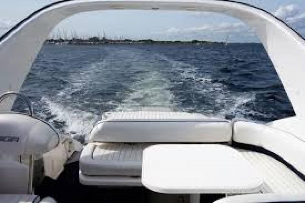 Boat rental Fairline Targa 30 in Ibiza on Samboat