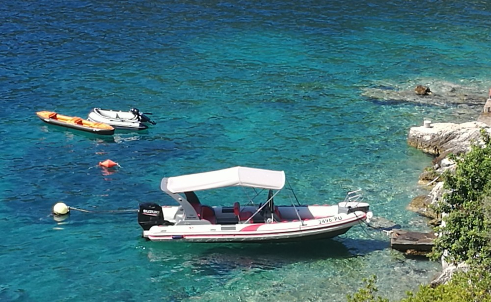 Hire RIB with or without skipper Tiger Marine 750 Trogir