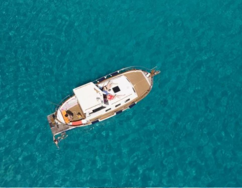 Rent a Astilleros Menorquin Menorquín 45 Version de Luxe Edition Balearic Islands