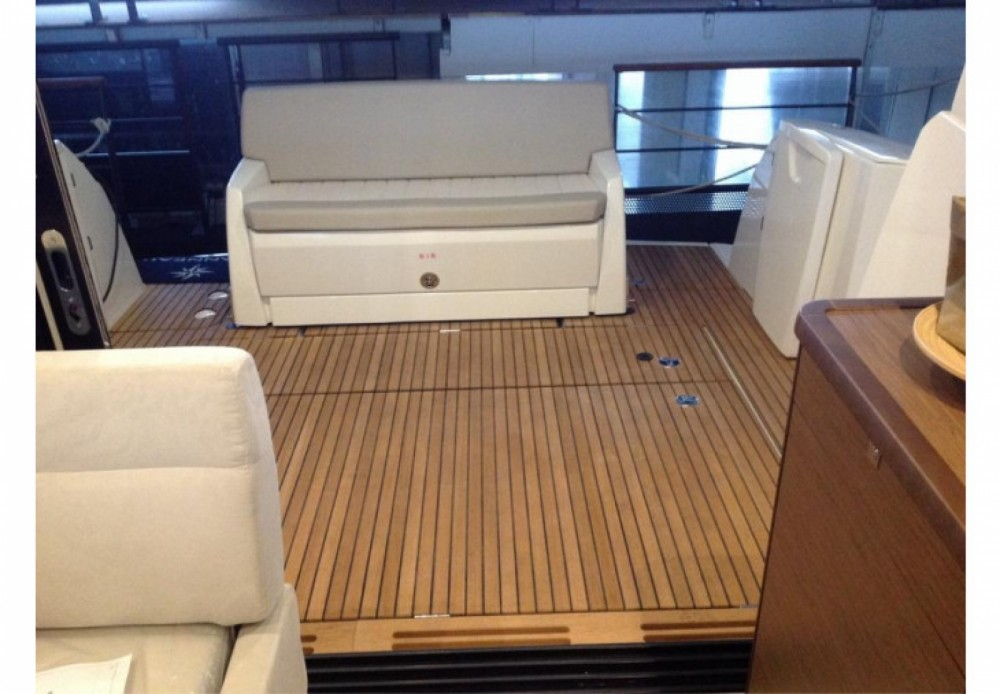Yacht for rent Hyères at the best price