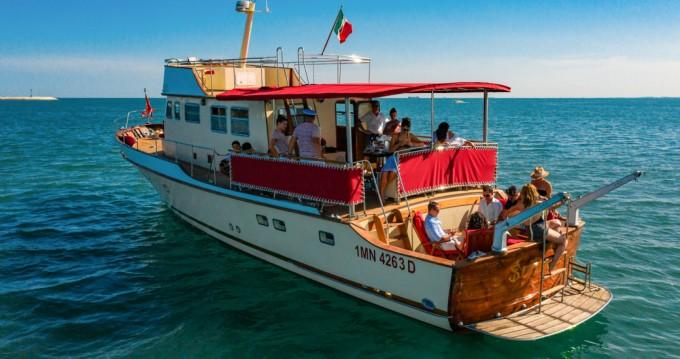 Rental Motorboat in Trieste - Trawler 64