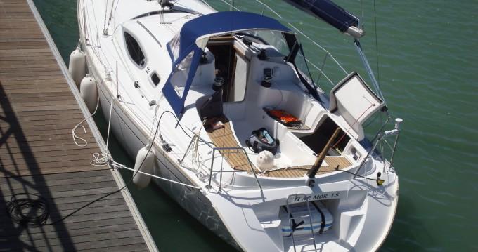 Rental Sailboat in La Rochelle - Alliaura-Marine Feeling 32 DI