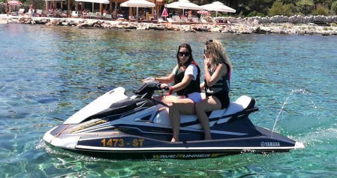 Boat rental Vinišće cheap Ymaha VX 180 HP