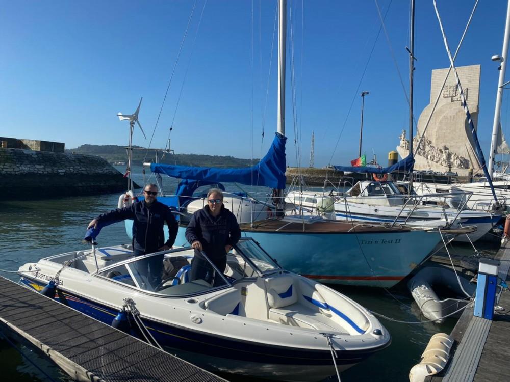 Boat rental Bayliner 185 BR in Lisbon on Samboat