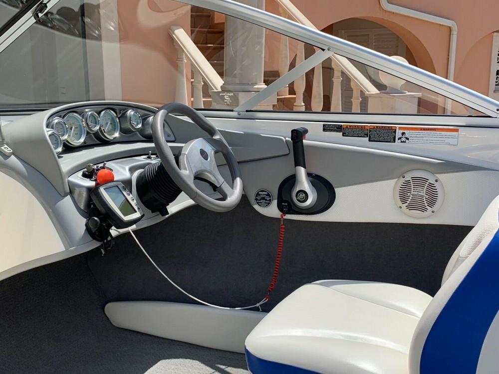 Hire Motor boat with or without skipper Bayliner Lisbon