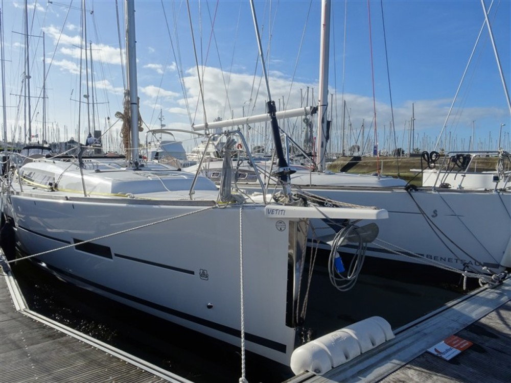 Rental Sailboat in Arzon - Dufour Dufour 382 Grand Large