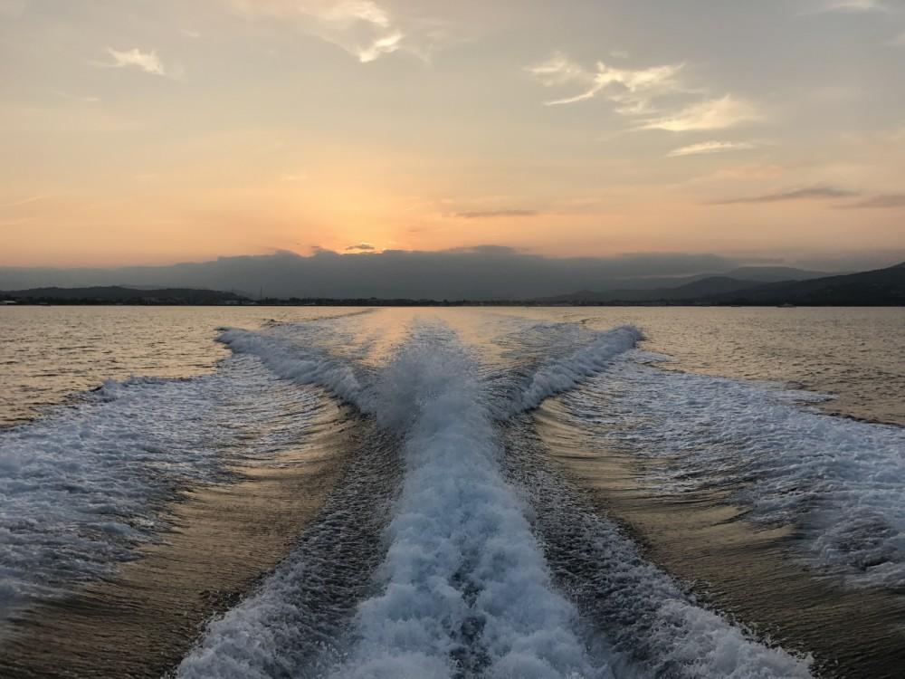Rental Motor boat Numarine with a permit