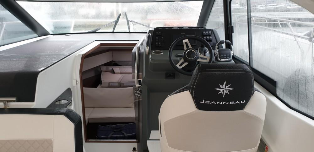 Rent a Jeanneau Leader 33 Cogolin