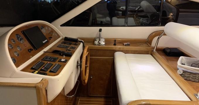 Boat rental handmade flybridge 55 in Lávrio on Samboat