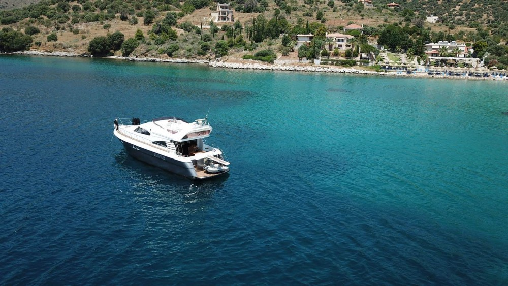 Yacht for rent Laurium at the best price