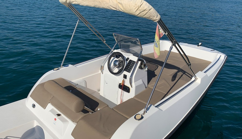 Rental Motor boat V2 BOATS with a permit