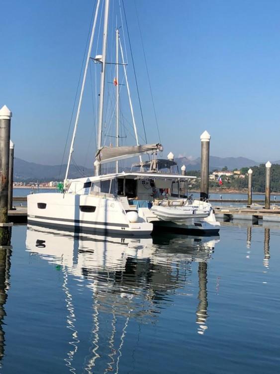 Boat rental Fountaine Pajot Lucia 40 in La Spezia on Samboat