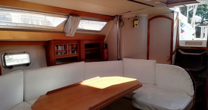 Rental yacht Hyères - Jeanneau Sun Dance 36 on SamBoat