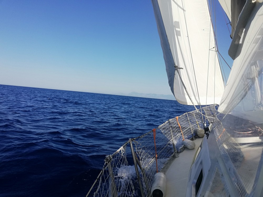 Hire Sailboat with or without skipper Jeanneau Hyères