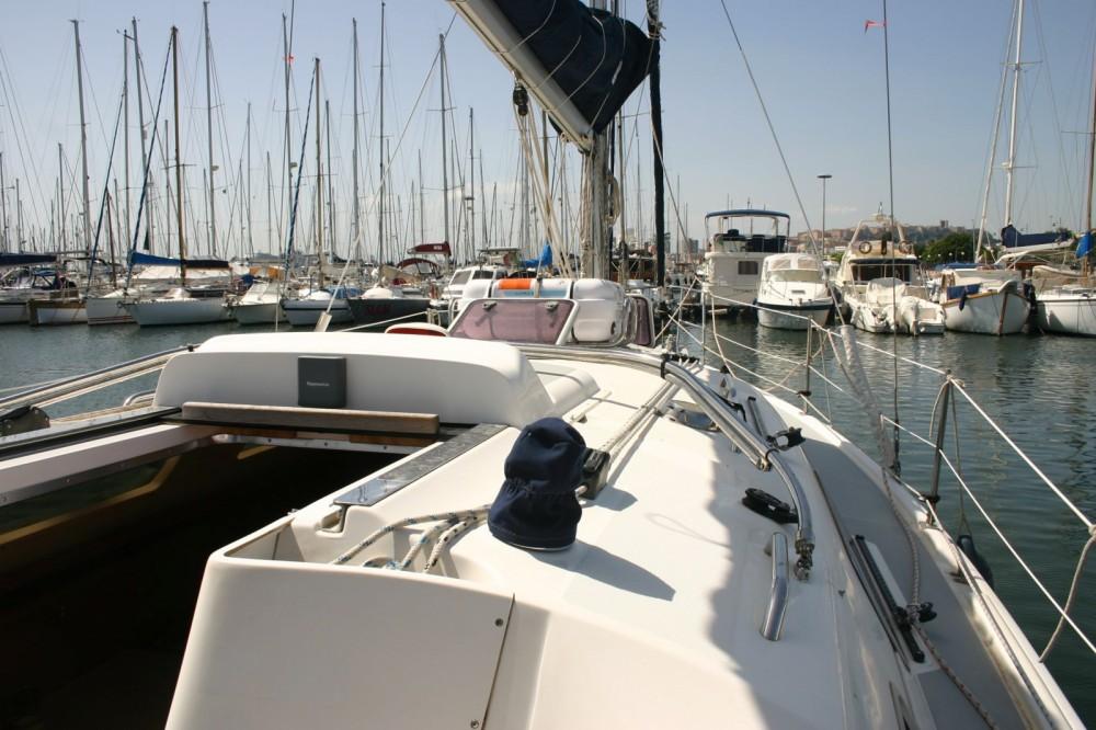 Rental Sailboat in Cagliari - Hunter 33 shoal keel