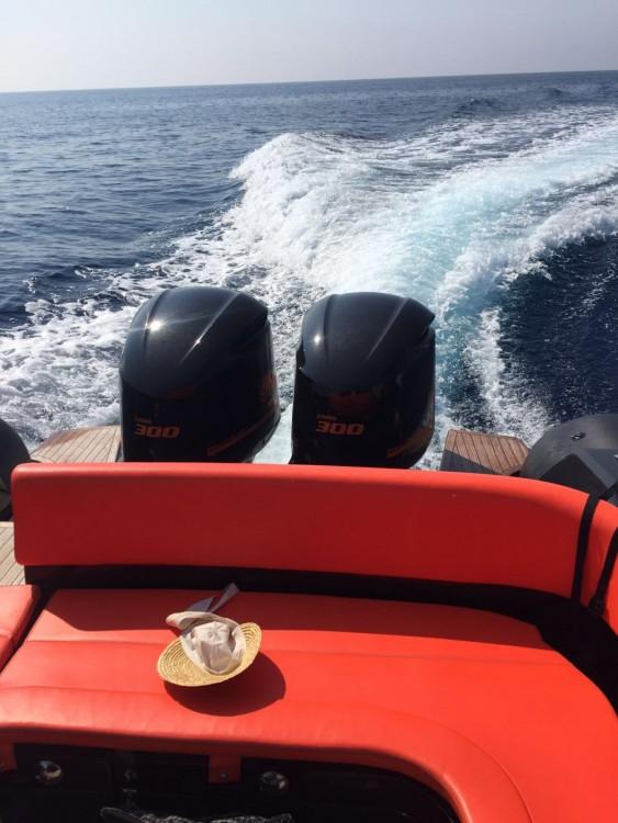 Boat rental Lomac Adrenalina 9.5 in Split on Samboat