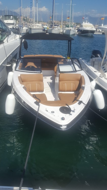 Glastron GT 245 between personal and professional Ajaccio