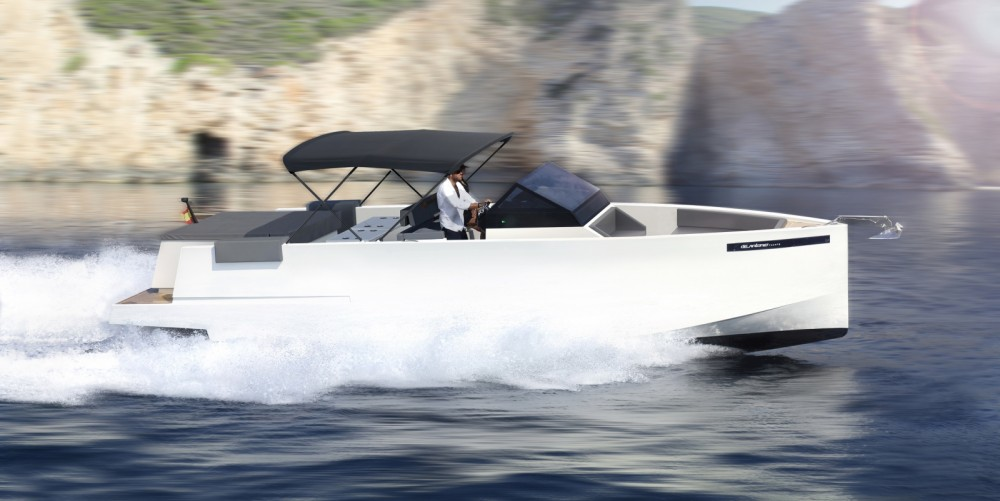 Hire Motor boat with or without skipper DE ANTONIO Yachts Ajaccio