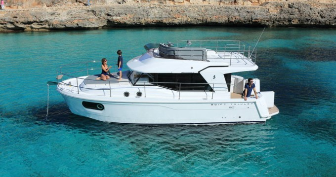 Bénéteau Swift Trawler 30 between personal and professional Ajaccio
