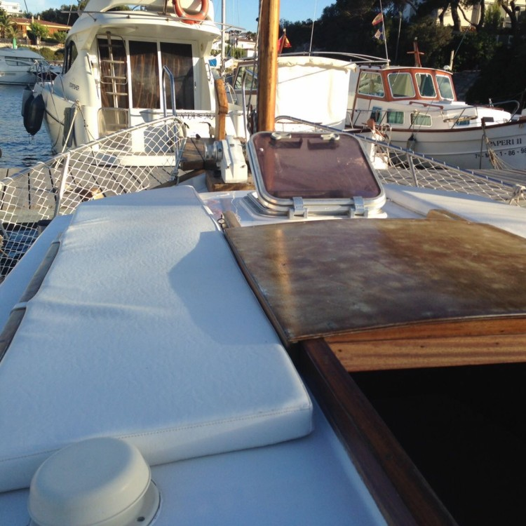 Hire Motor boat with or without skipper Llaud Ciutadella