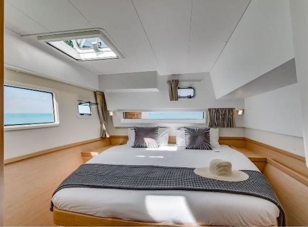Rental Catamaran in Sari-Solenzara - Lagoon Lagoon 42
