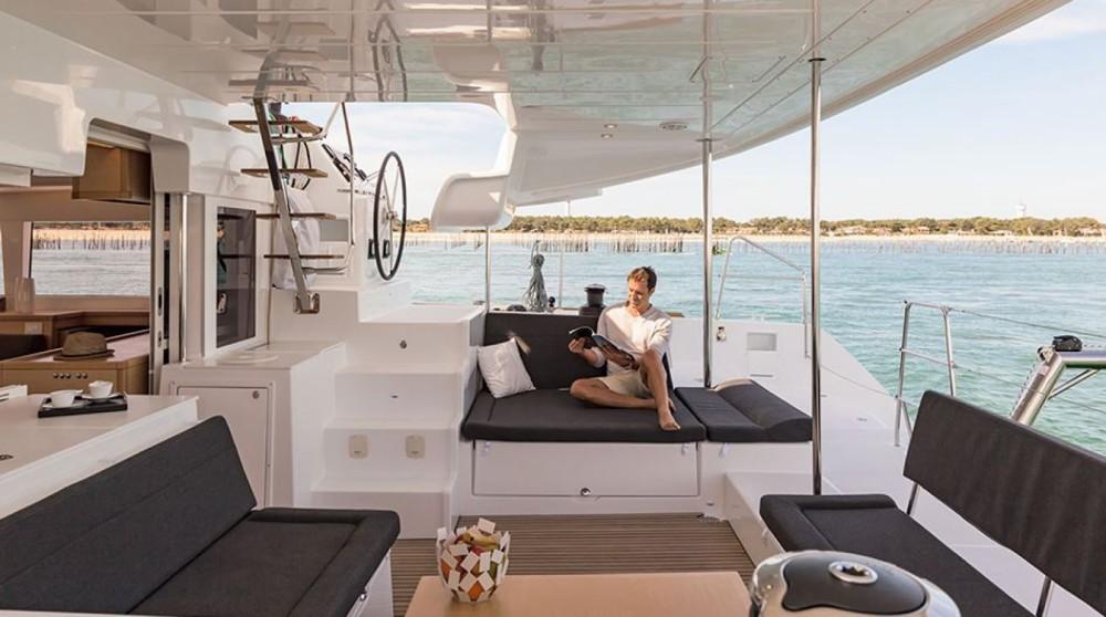 Catamaran for rent Sari-Solenzara at the best price