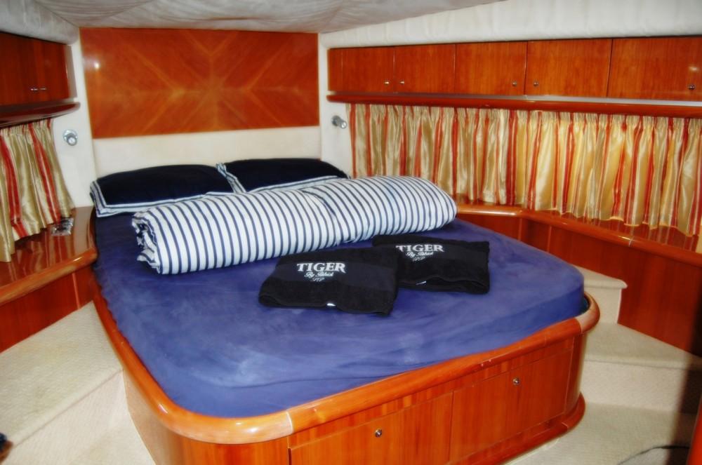 Boat rental Sunseeker PREDATOR 68 - TIGER in Terracina on Samboat