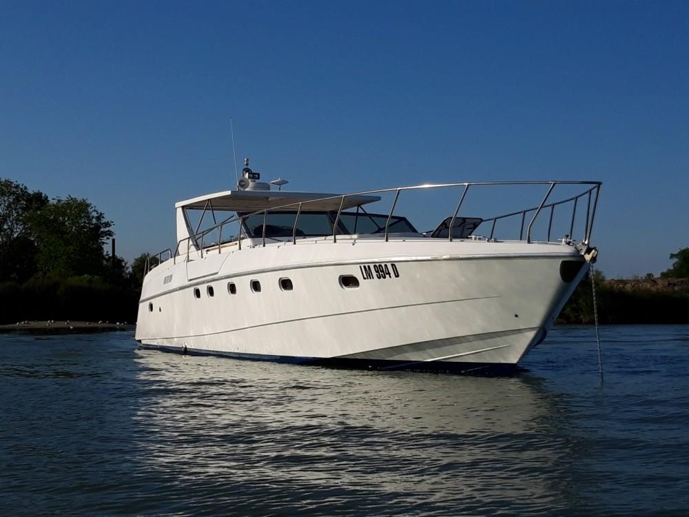 Boat rental Venice cheap Altura 52