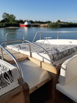 Boat rental Venezia cheap Altura 52