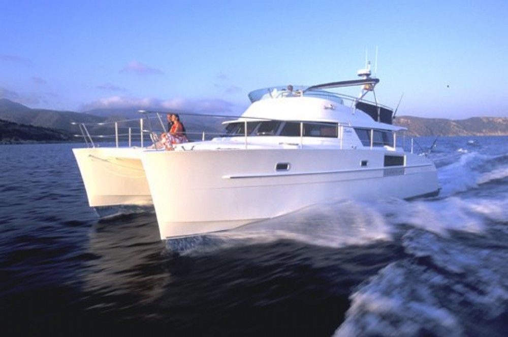 Rental Catamaran in Valencia - Fountaine Pajot Cumberland 43