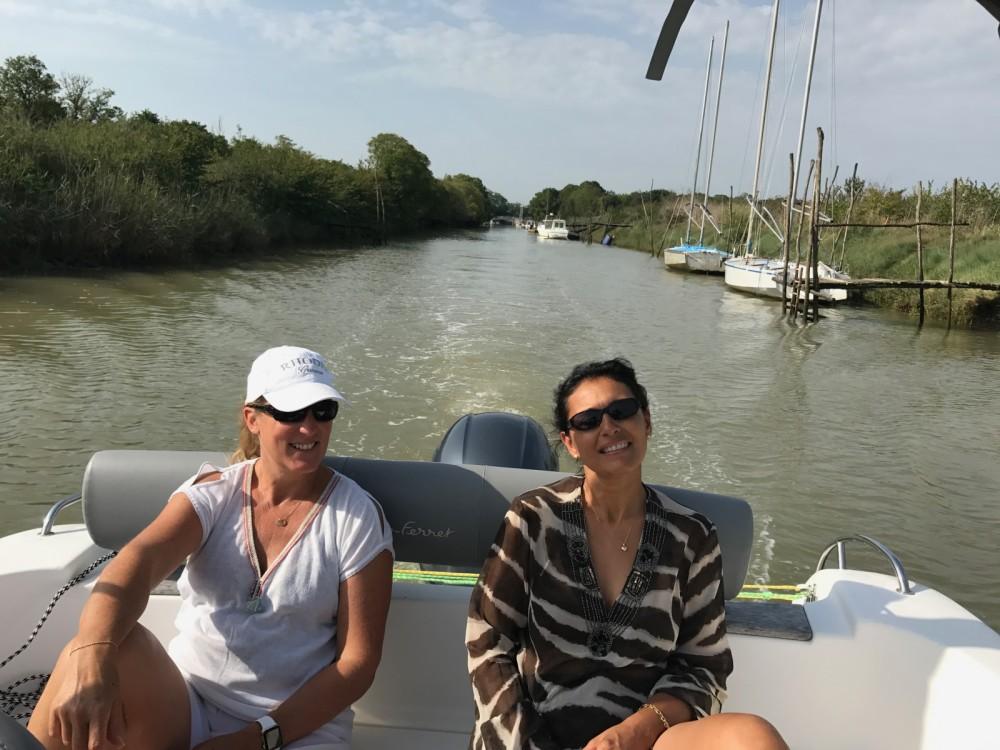 Boat rental Jau-Dignac-et-Loirac cheap Cap Ferret 650 Open Sun Deck