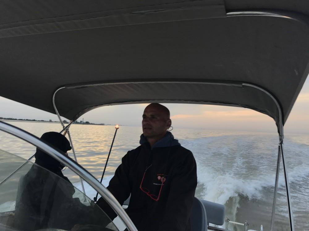 B2 Marine Cap Ferret 650 Open Sun Deck between personal and professional Jau-Dignac-et-Loirac