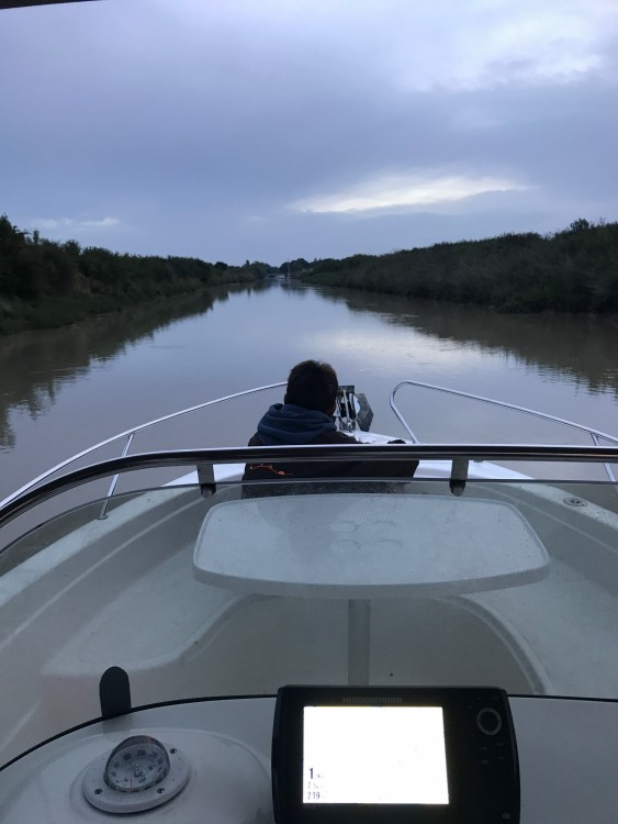 Motor boat for rent Jau-Dignac-et-Loirac at the best price
