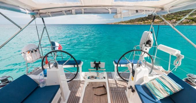 Rental Sailboat in Benitses - Bénéteau Oceanis 38