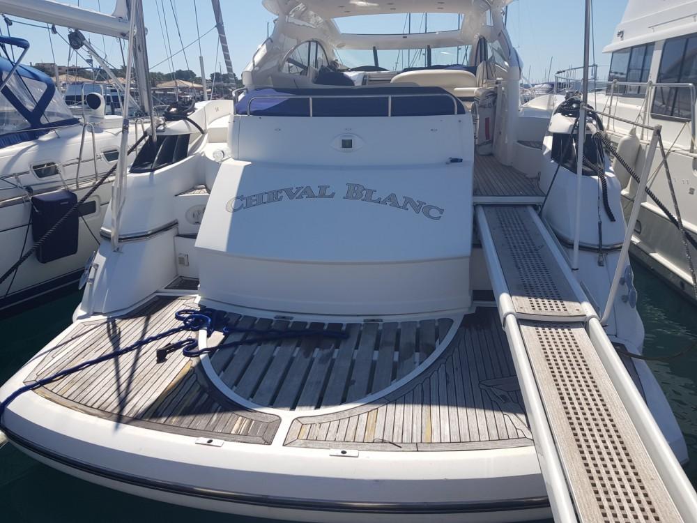 Boat rental Sunseeker predator61 in Saint-Tropez on Samboat