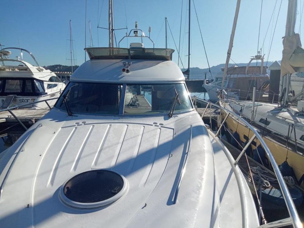 Rental yacht Sanxenxo - Princess 38 on SamBoat