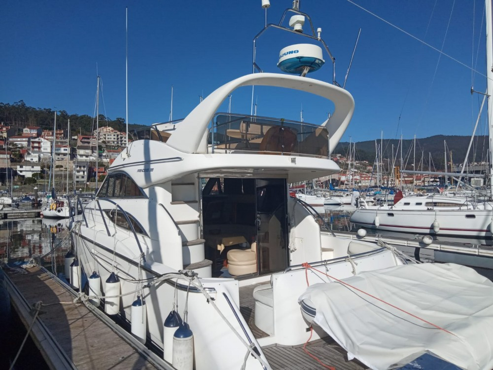Yacht for rent Sanxenxo at the best price