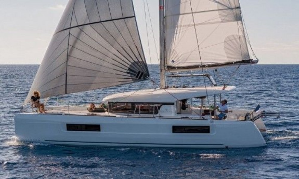 Boat rental Palma cheap Lagoon 400