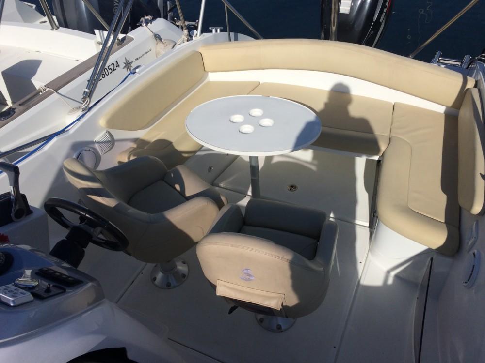 Rental Motor boat in Cannes - Bénéteau Flyer 750 sundeck
