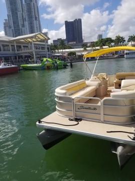 Rental Motorboat in City of Sunny Isles Beach - Sweerwater 2486