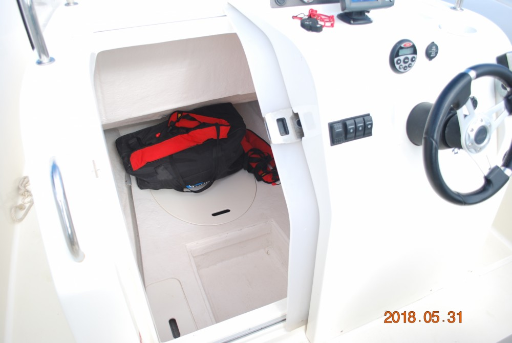 Boat rental Valras-Plage cheap Activ 675 Open