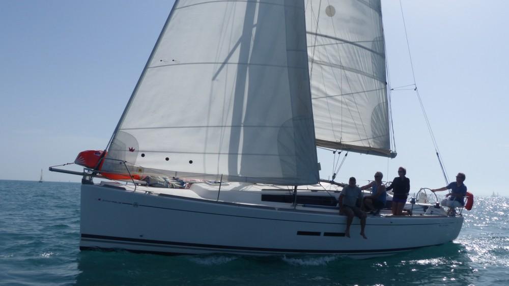 Rental yacht Leucate - Dufour 375 Grand Large on SamBoat