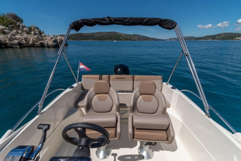 Boat rental Quicksilver Activ 605 Open in Alcalà de Xivert on Samboat