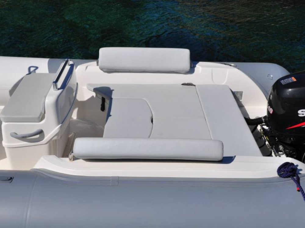 Boat rental Bwa Sport 22 in Porto Rotondo on Samboat